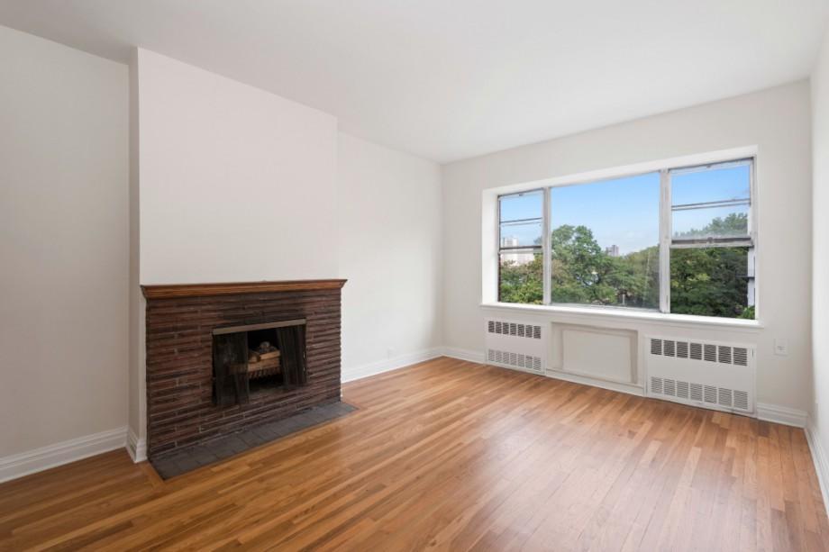 12 remsen street-living room