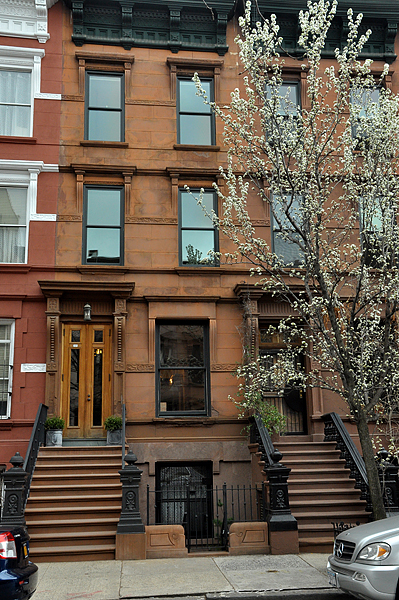 Townhouse for sale 357 west 121st street mondays with for Manhattan townhouse for sale
