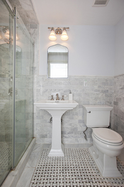 218 East 30th Street Duplex: bath 1