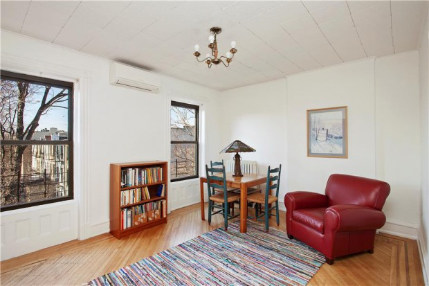 Bedroom: 410 Clinton Street