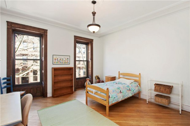 Bedroom: 410 Clinton Street