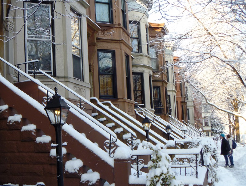 brownstone-in-snow