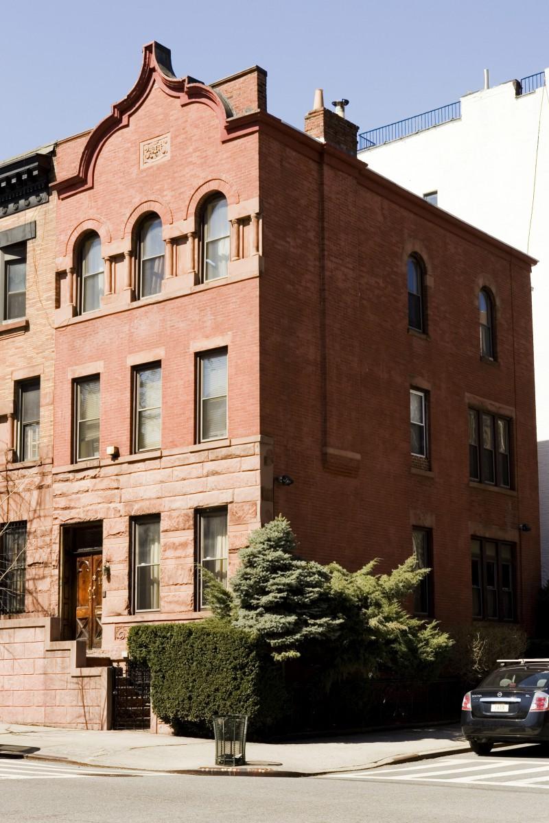 121 Manhattan Avenue