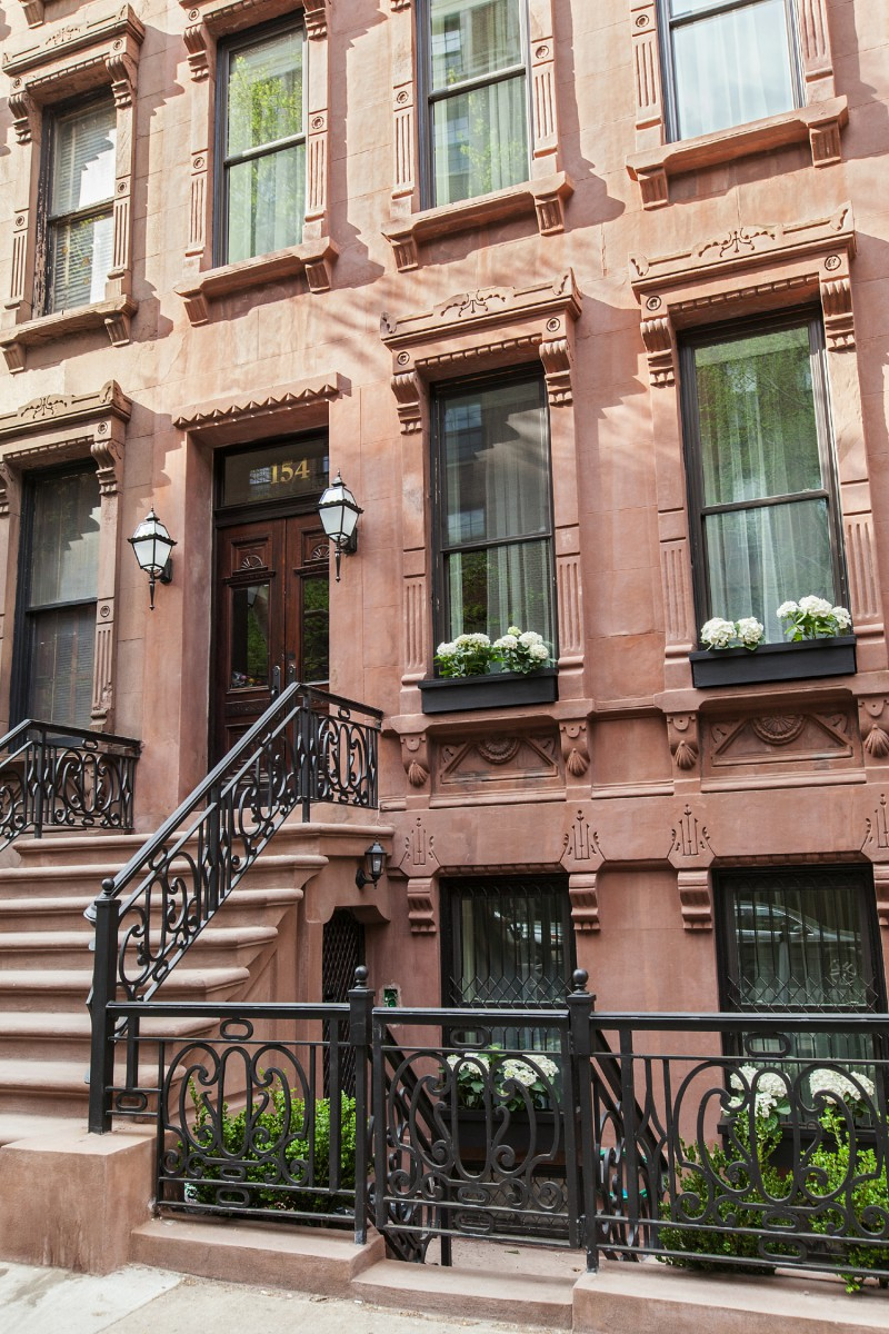 Townhouses for sale in manhattan townhouses in the upper for Manhattan townhouse for sale