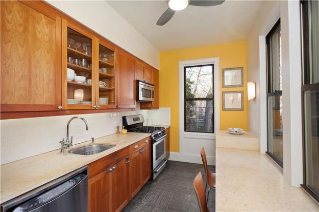 Kitchen: 410 Clinton Street